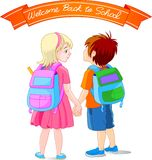 идет школа к Стоковая Фотография