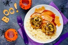 Идея обедающего или обеда хеллоуина фрикадельки мумии Стоковые Фото