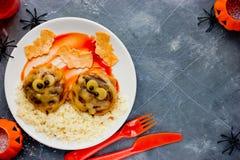 Идея обедающего или обеда хеллоуина фрикадельки мумии Стоковое Изображение RF