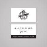 Идея проекта визитной карточки натуральных продуктов Логотип еды с спаржей и лентой Год сбора винограда, битник и ретро стиль Стоковые Фото