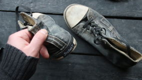 Идея путешествием, бирка и ботинки тапки видеоматериал