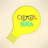 Идея электрической лампочки холодная с гуглит предпосылку Стоковое фото RF