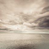 Идилличная съемка горизонтальных морской воды и неба Стоковые Фотографии RF