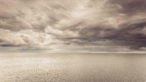 Идилличная съемка горизонтальных морской воды и неба Стоковое Изображение