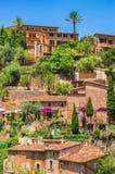 Идилличное среднеземноморское горное село Deia Майорка Испания Стоковая Фотография RF