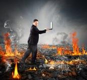 Идти на горящий уголь стоковая фотография