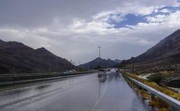 Идти дождь в шоссе Шарджи - Kalba Стоковое Изображение RF