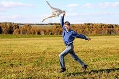 идущий подросток Стоковые Фотографии RF