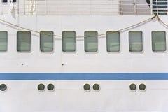 Иллюминаторы корабля большого корабля Стоковое Фото