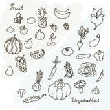 Иллюстрация вектора собрания фруктов и овощей в черно-белом Стоковые Фотографии RF