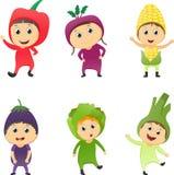 Иллюстрация детей нося овощи костюмов бесплатная иллюстрация
