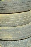 иллюстрация предпосылки 3d над белизной колеса резиновой автошины Стоковое Фото