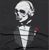 Иллюстрация черепа/метка предупреждения опасности/grap футболки бесплатная иллюстрация