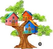 Иллюстрация шаржа красочного дома на дереве