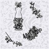 Иллюстрация шить аксессуаров, инструментов для моды конструирует, кукла, катышка, иглы, кнопки Стоковое Фото