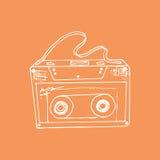 иллюстрация эскиз Оранжевая предпосылка с кассетой музыки Стоковая Фотография RF