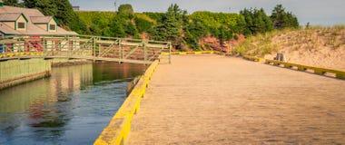 Идя мост Остров Принца Эдуарда стоковая фотография rf