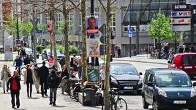 Йена Германия Neue Mitte с машиной скорой помощи сток-видео