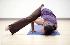 йога баланса рукоятки стоковое фото