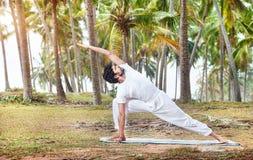 Йога в тропической Индии Стоковое фото RF