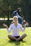 йога девушки Стоковое Фото