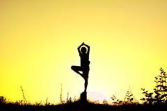 Йога детей силуэта Стоковая Фотография RF