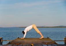 йога женщины стоковое фото rf