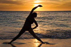 йога захода солнца Стоковое фото RF
