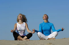 йога пляжа Стоковые Изображения RF