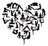 Йога представляет сердце силуэтов Стоковая Фотография