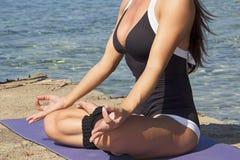 Йога - раздумье Стоковая Фотография RF