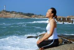 йога exerciser стоковые изображения rf