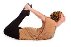 Йога pilatos девушки изолированная на белой тренировке спортзала предпосылки Стоковая Фотография