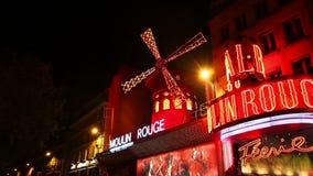 Кабаре румян Moulin в Париже видеоматериал