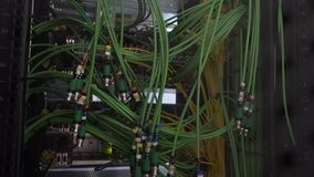 Кабель акустического аудио зеленого цвета сервера кабеля аудио Много акустических кабелей oaxial кабель для сервера передачи данн сток-видео