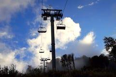 Кабел-кран в лыжном курорте Roza Khutor Стоковое Изображение RF