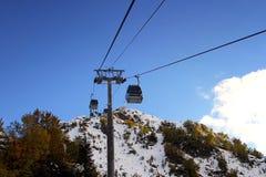 Кабел-кран в лыжном курорте Roza Khutor Стоковое фото RF