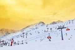 Кабел-кран на лыжном курорте Solden гор Австралии Стоковая Фотография