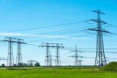 Кабели и башни передачи Стоковые Изображения RF