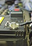 Кабели соединяются к автомобилю Стоковое фото RF