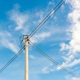 Кабель линии электропередач eletricity высоты Стоковые Фото