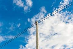 Кабель линии электропередач eletricity высоты Стоковая Фотография RF