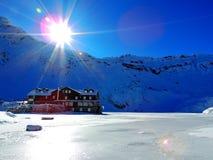 Кабина горы зимы стоковое изображение rf