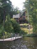 Кабина на цветке озера Стоковые Изображения