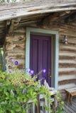 Кабина с фиолетовой дверью Стоковая Фотография RF