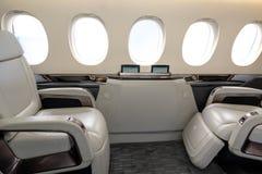 Кабина Comfortible предводительствует в современном durin реактивных самолетов дела стоковое изображение rf