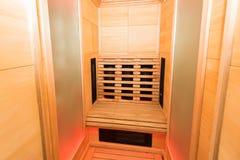 Кабина Samm деревянная ультракрасная Стоковое фото RF