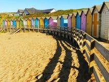 Кабины пляжа Bude cornwall стоковые изображения rf