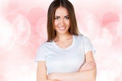 кавказская чистая белизна рубашки t предназначенная для подростков нося Стоковая Фотография RF