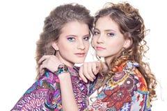 кавказские девушки 2 детеныша Стоковые Изображения RF